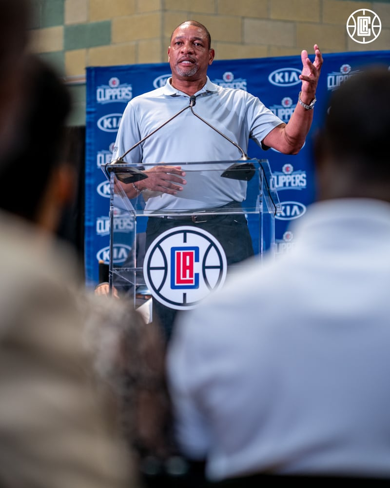 Report: A member of the Clippers' Orlando travel party has tested positive for coronavirus