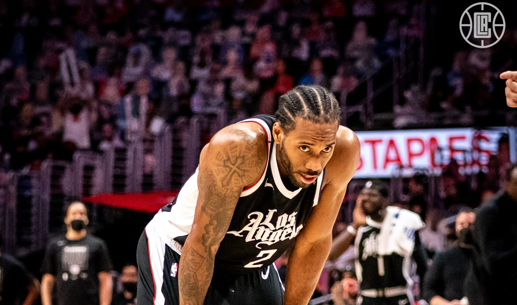 Kawhi Leonard out indefinitely, Clippers fear ACL injury